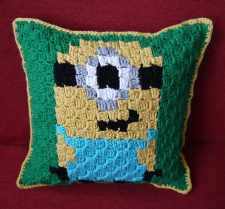 C2C Crocheted Minion Pillow