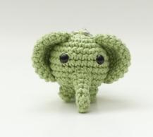 amigurumi-elephant-keychain-6